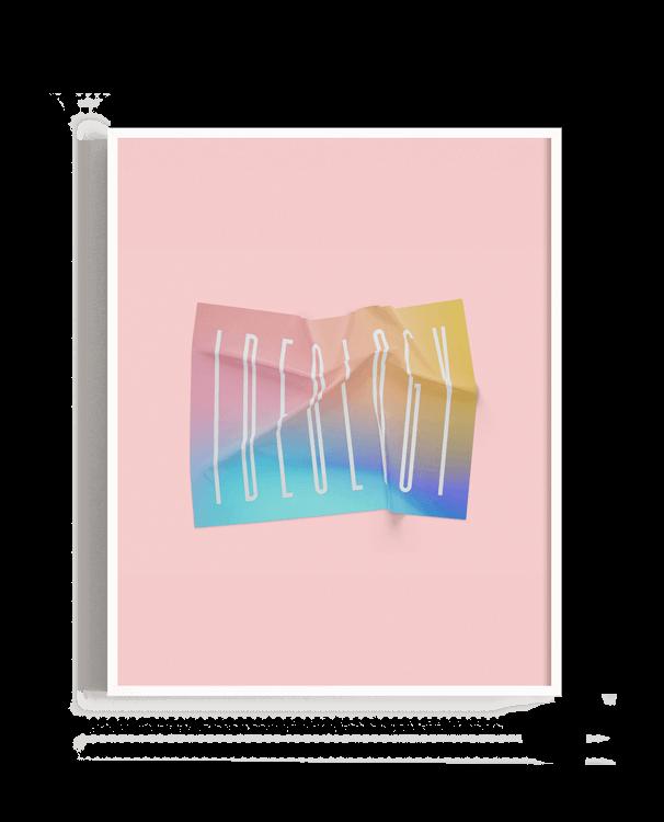 Una tela arrugada con colores vivos en la que se lee la palabra en inglés Ideology